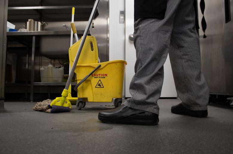 how to clean non slip epoxy floor