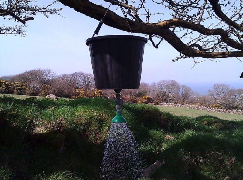 Simple DIY Solar Shower Ideas