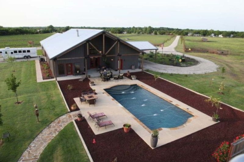 Comfortable metal house with private pool