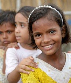 MIT RUCKY REISELUSTIG IN INDIEN