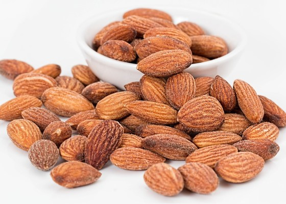 vitamin E bowl of almonds