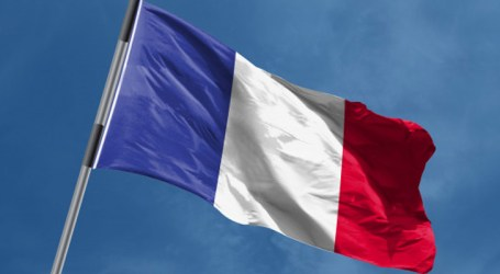 """França proibirá """"coletes amarelos"""" na Champs-Elysées"""
