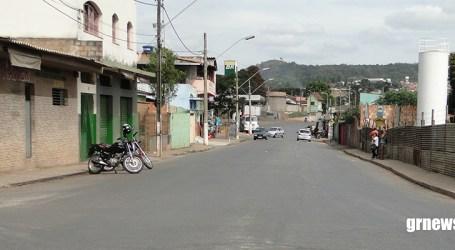 Assaltantes armados rendem jovem e roubam moto no bairro Santos Dumont