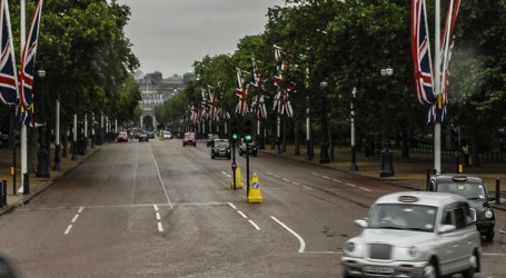 COVID-19: Reino Unido deve manter isolamento social até o final de maio