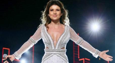"""Paula Fernandes comemora êxito da versão solo de """"Juntos"""". Assista"""