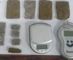 Suspeito de tráfico é preso com tabletes de maconha e balança de precisão em Divinópolis
