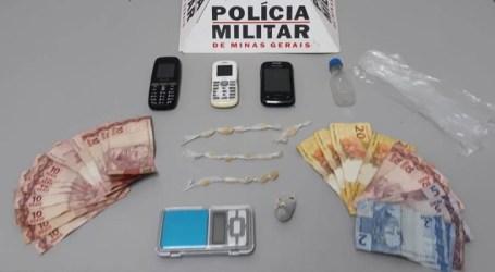 Flagrados com crack, maconha e balanças de precisão no Centro de Pará de Minas