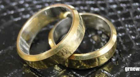 Advogada orienta casais sobre pacto antenupcial que evita problemas em caso de divórcio