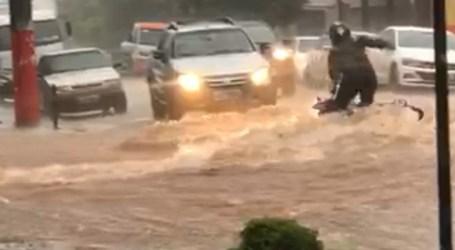 Temporal causa alagamentos em Pará de Minas; na Porciúncula força das águas derruba motociclista