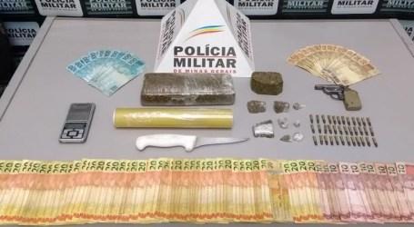 Dupla detida por uso e tráfico de drogas no Recanto da Lagoa; foram apreendidas drogas, dinheiro e arma