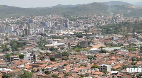 Casos confirmados de COVID-19 em Pará de Minas dobraram em uma semana; Elias Diniz promete mudanças