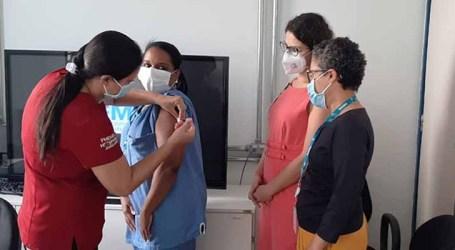 Começa a vacinação de profissionais dos hospitais João XXIII e João Paulo II em BH