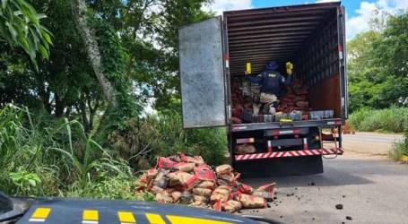 Agentes da PRF apreendem 1.647 quilos de maconha em Patos de Minas