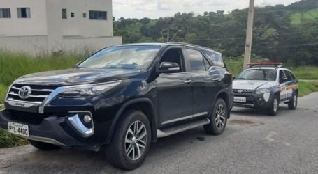 Veículo furtado é recuperado em Nova Serrana; PM ainda procura suspeitos