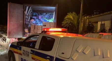 PM recupera em Nova Serrana carga roubada em Luz; dois foram presos com calçados, jogos de pratos e toalhas