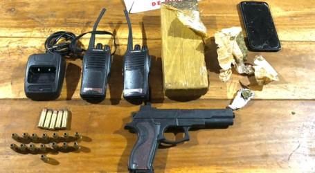 Homem é preso com drogas, arma, munições e rádios comunicadores em Martinho Campos