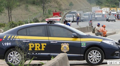 PRF libera 35 pontos bloqueados por caminhoneiros