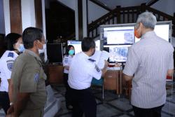 Tinjau Posko Nataru, Ganjar : Kondisi Jateng Aman dan Lancar