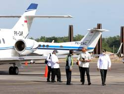 Naik Pesawat Jenis Hawker 900 XP, Gubernur Ganjar bersama Para Menteri Presiden Jokowi Mendarat Mulus di Bandara Ngloram Blora