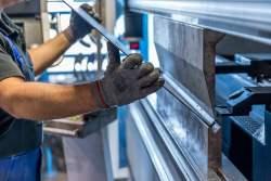 Ini Aturan Turunan UU Cipta Kerja yang Telah Disahkan Presiden, Pekerja Kontrak Dibatasi Maksimal 5 Tahun