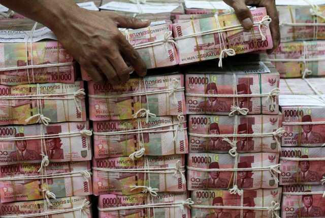 uang reuters