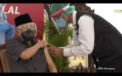 Berusia 77 Tahun, Wapres Ma'ruf Amin Akhirnya Disuntik Vaksin Covid-19. Menkes Harap Semoga Bisa Jadi Dorongan dan Motivasi Lansia Lainnya