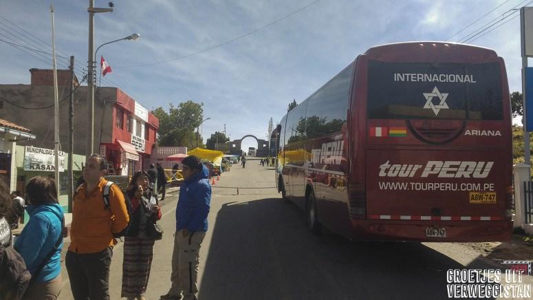 Bus in Peru voor de grensovergang