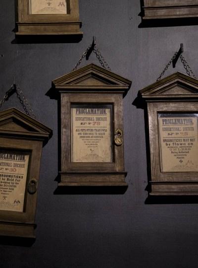 De proclamations van Umbridge in de Harry Potter Studio Tour in Londen