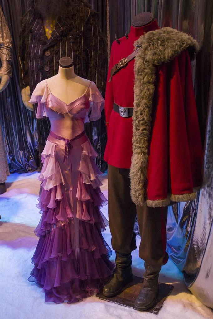 De jurk van Hermione en het pak van Viktor Krum dat ze droegen tijdens het Yule Ball in de films.