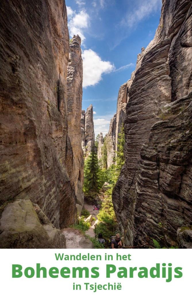 Pinterestafbeelding: tussen de rotsen van Prachov in het Boheems Paradijs