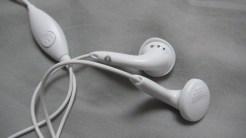 Paire d'écouteurs du Moto G.