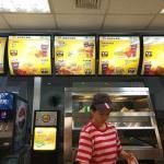 KFCを徹底的に模倣し一代で富を築いた中国人兄弟