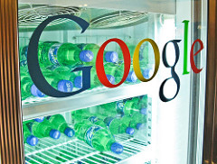 Notice that all the Kool-Aid is gone!    Google 貼牌冰箱(Google Refrigerator)