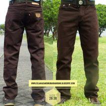 Grosir Celana Jeans Levis Pria Model Standar yang di Produksi Lansung di Bandung Menjadikan harga yang sangat murah untuk kebutuhan Grosir Celana Jeana Anda