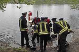 """Das neue Rettungsboot """"Florentine 74"""" wird am Großensee ins Wasser gelassen."""