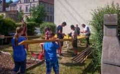 Gartenarbeit im Jugendtreff in Großschönau, copyright Ulf Bach