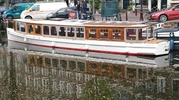 Tour boat - nice