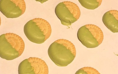 Matcha Chocolate Shortbread Cookies