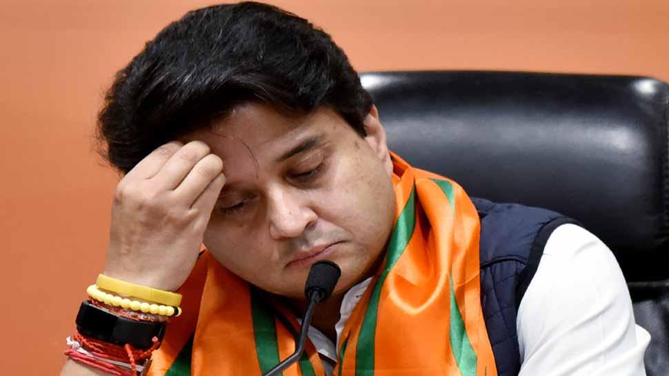 Madhya pradesh Exit poll results by Election 28 seats gwalior chambal jyotiraditya scindia kamalnath shivraj singh chouahn bjp congress भाजपा स्टार प्रचारकों की सूची में सिंधिया 10वें नंबर पर, कांग्रेस ने कसा तंज़