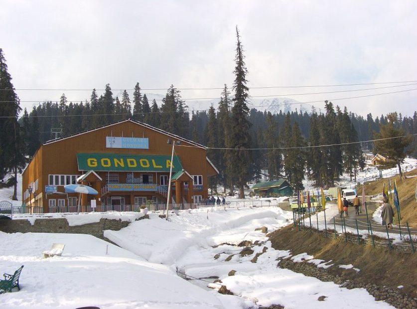Post 370 abrogation, less than 500 tourists visit Kashmir