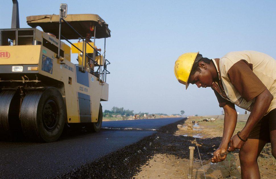 Plastic Waste Management: Govt constructed 1 Lakh km road using plastic waste