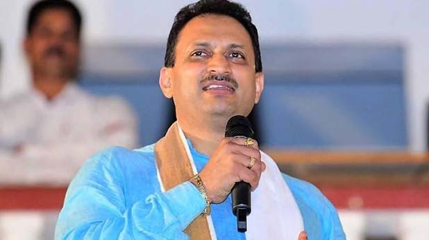 अनंत कुमार हेगड़े : राष्ट्र विरोधी है बीएसएनएल के अधिकारी