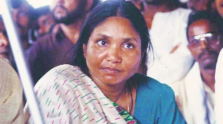 वो फूलन देवी जिसने गैंगरेप का बदला लेने के लिए 22 ठाकुरों को मार दी थी गोली