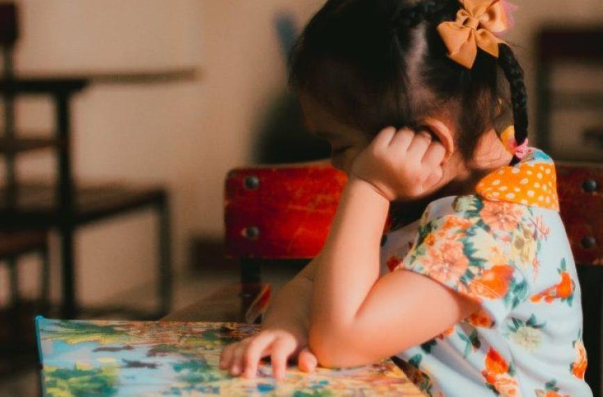 क्या है डिजिटल रंगभेद, गरीब बच्चे कैसे हो रहे हैं इसका शिकार?