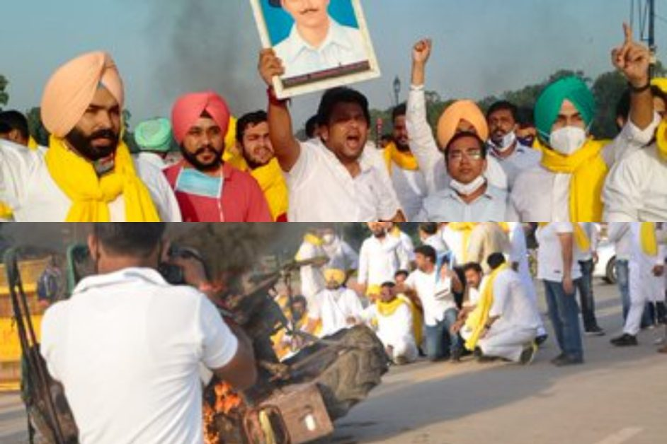 protest-against-farmers-bill-at-in-dia-gate-new-delhi-fire-in-the-tractor31505