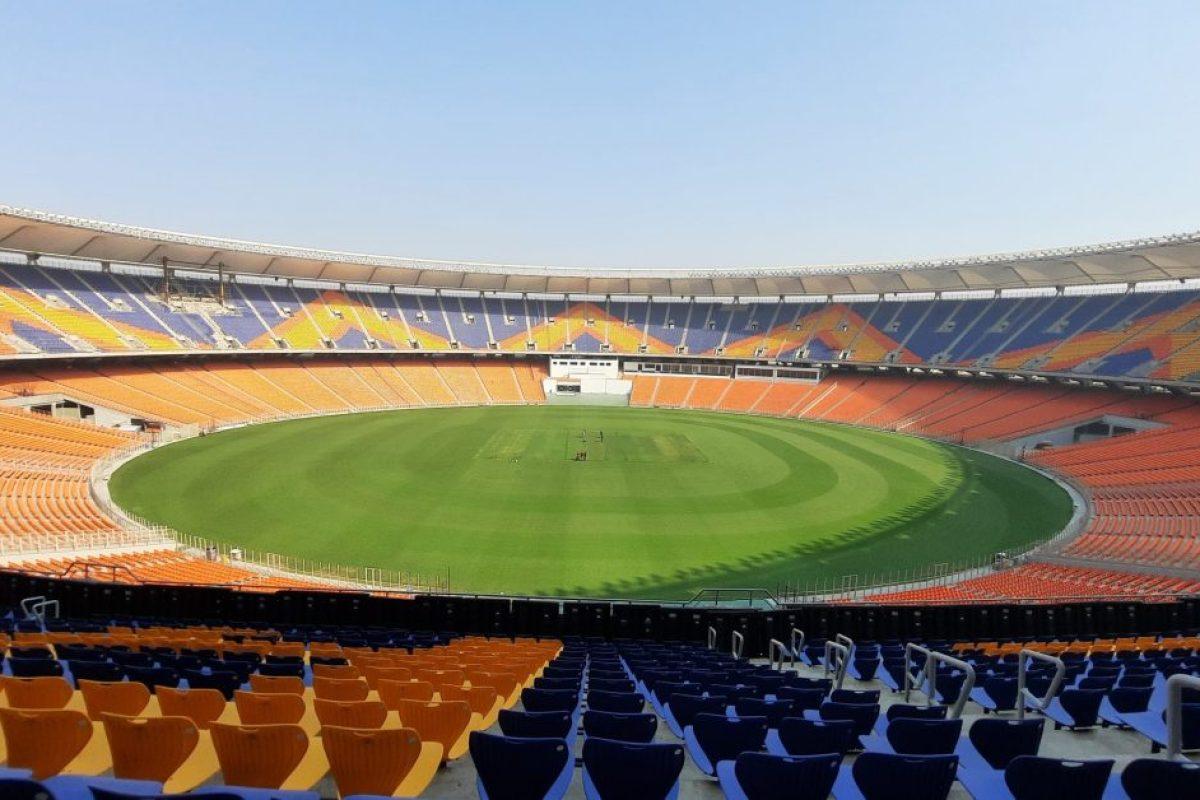 दुनिया के सबसे बड़े क्रिकेट स्टेडियम मोटेरा से जुड़ी हर ज़रूरी बात जानना है, तो ये ख़बर आपके लिए ही है…