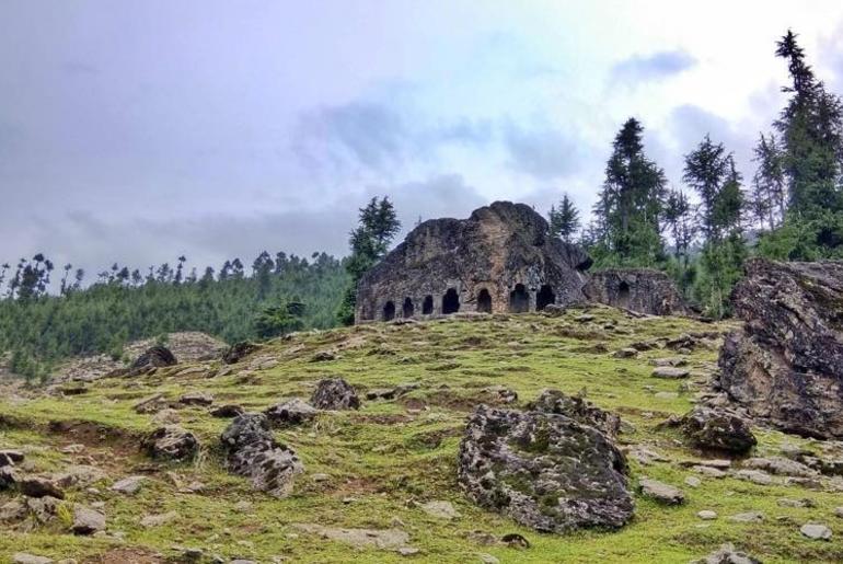 Kashmir's Kalaroos Caves