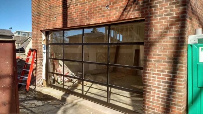 Avanted series glass garage door