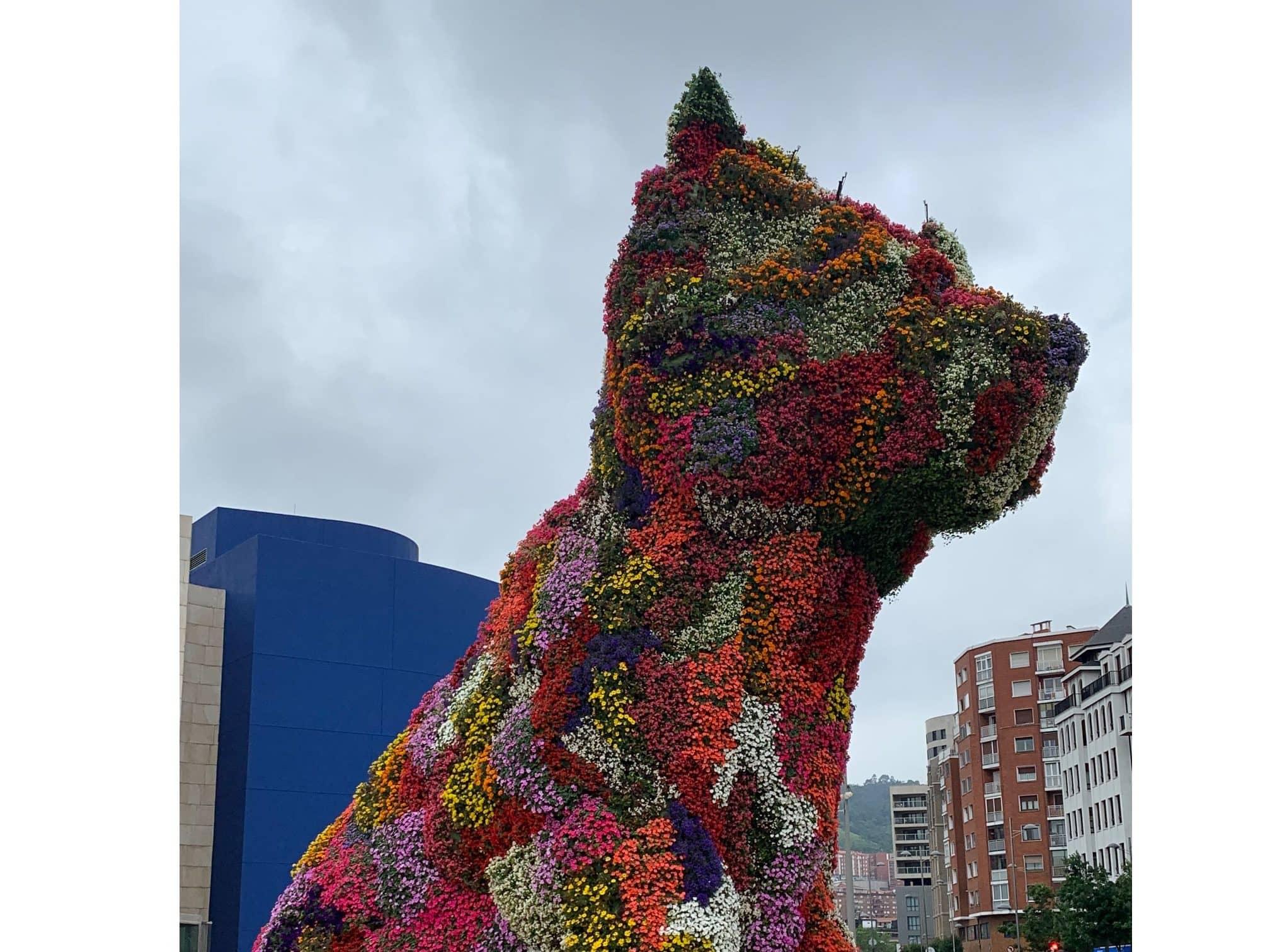 "Jeff Koons ""Puppy"" Outside Guggenheim Museum"