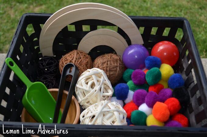Circle-Toddler-Sensory-Bin-Items